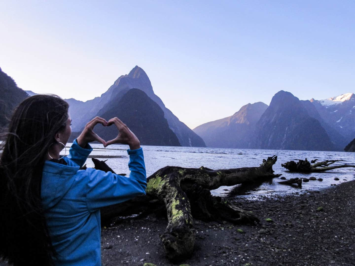 Why you have to start solo traveling - New Zealand Milford Sound