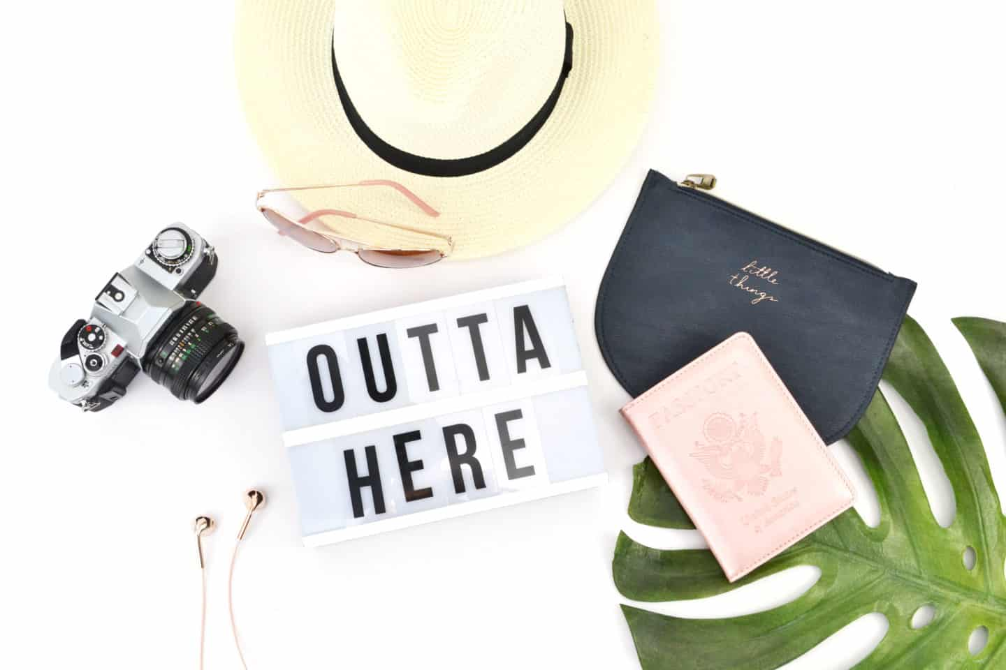 16 items to take in your hand luggage on a long haul flight